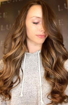 Sophie AT COLLECTIONS HAIR CLUB IN WEYBRIDGE